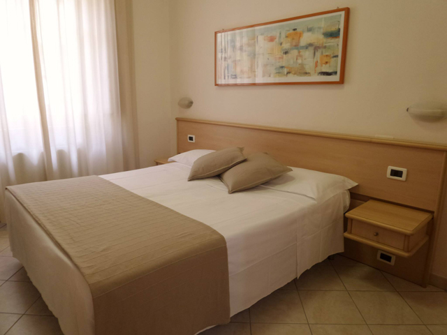 economical hotel Pisa